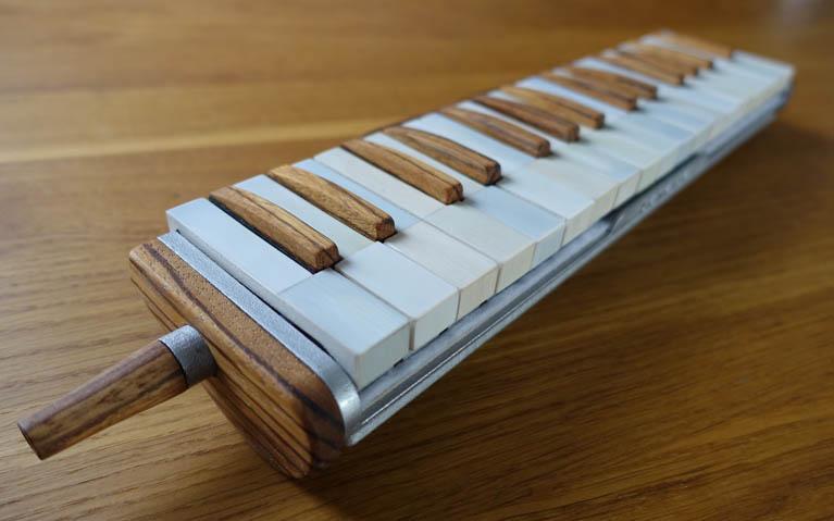 3D melodica 767 width_1
