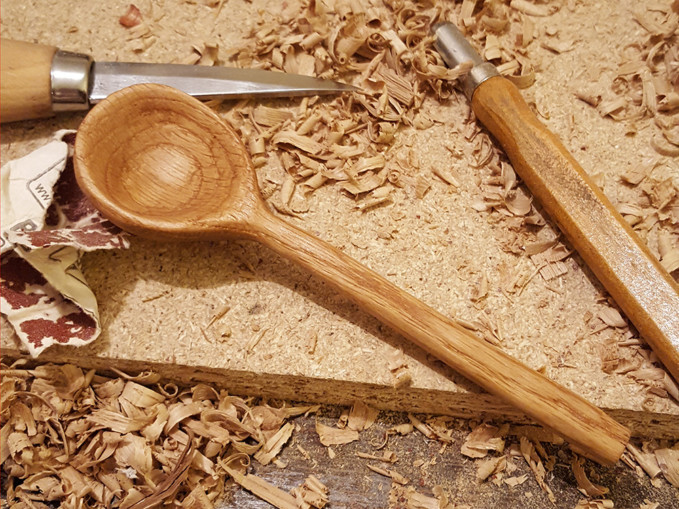 spoon_carving